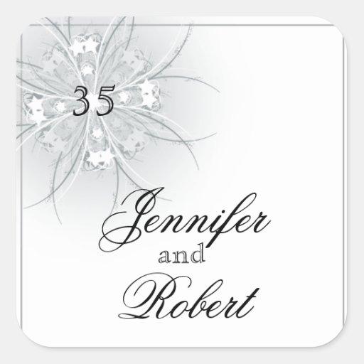 Sello floral del sobre del monograma del medallón pegatina cuadrada