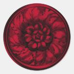 Sello grabado en relieve Barroco rojo de la mirada Pegatina Redonda