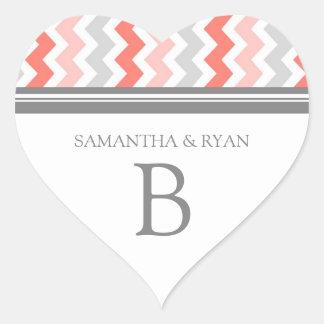 Sello gris del sobre del monograma de los galones pegatina en forma de corazón