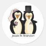 Sello lindo del sobre de los pingüinos del boda etiqueta