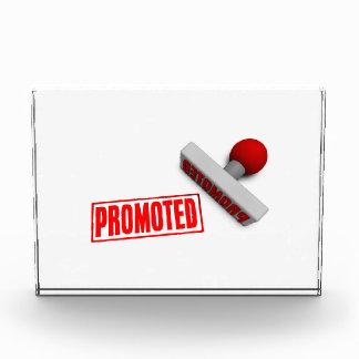 Sello o tajada promovido en el concepto de papel