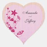 Sello |Pink del sobre del corazón y mariposa roja Pegatina En Forma De Corazón