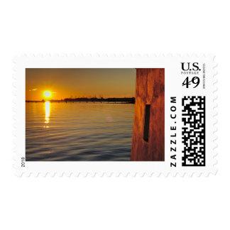 Sello: Puesta del sol y viejo watermill Timbres Postales
