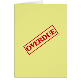 Sello vencido - fondo rojo del amarillo de la tarjeta de felicitación