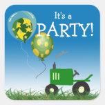 Sello verde del sobre del fiesta del tractor calcomanía cuadrada