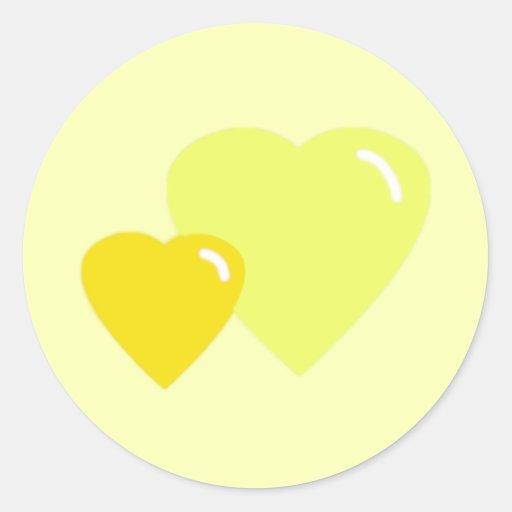 Sellos amarillos del sobre de los corazones del pegatina redonda