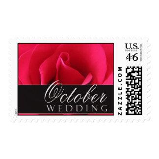 Sellos del boda de octubre con el rosa rojo