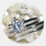 Sellos del sobre del compromiso de los anillos y d etiqueta