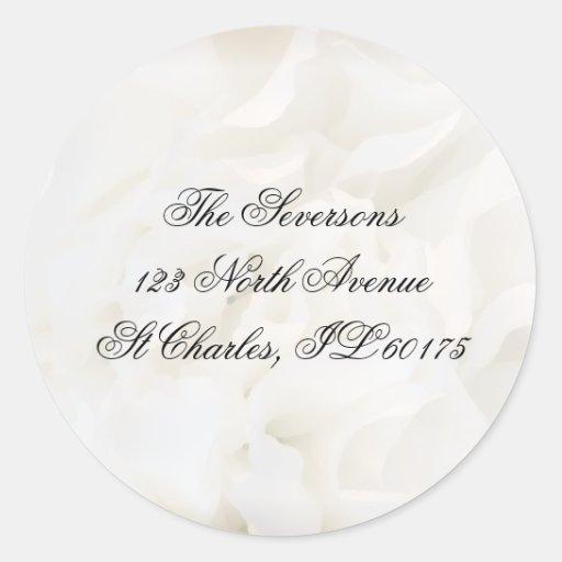 Sellos florales blancos del sobre del boda etiqueta redonda