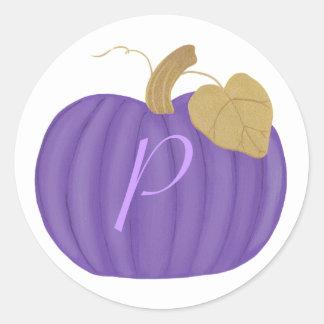 Sellos púrpuras del boda del monograma de la pegatina redonda