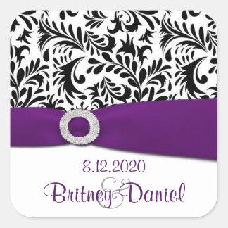 Sellos púrpuras y blancos negros del sobre del pegatina cuadrada