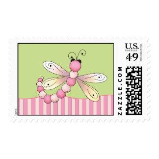 Sellos rosados de la libélula