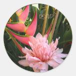 Sellos rosados del sobre del boda de Heliconia del Pegatina Redonda