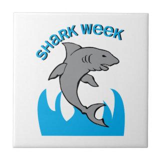 Semana del tiburón teja cerámica