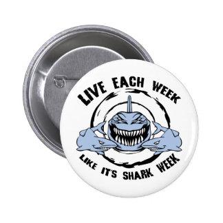 Semana del tiburón pin redondo de 2 pulgadas