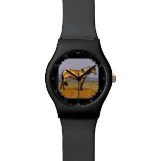 Semental del mustango del caballo salvaje de relojes
