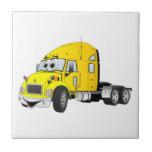 Semi amarillo del taxi del camión azulejo