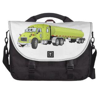 Semi dibujo animado verde claro del camión de bolsas de ordenador