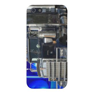 SEMI EL TRACTOR REMOLQUE CON POLICÍA ENCIENDE EL F iPhone 5 COBERTURAS