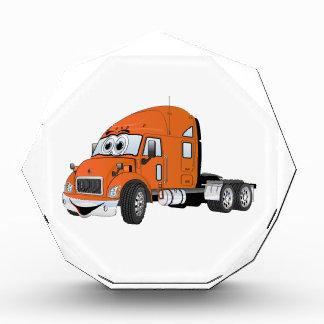 Semi naranja del taxi del camión