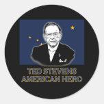 Senador Ted Stevens T-shirt, héroe americano Etiquetas Redondas