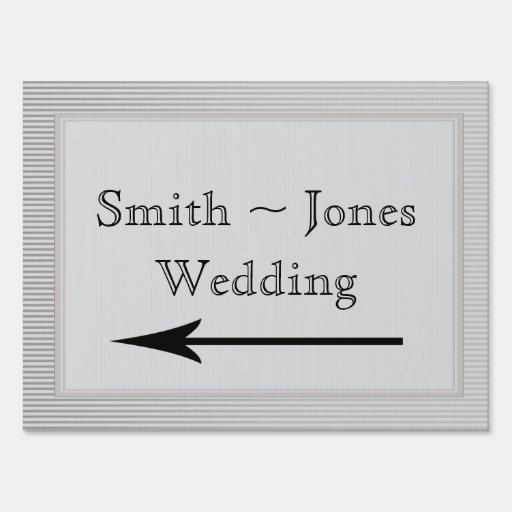 Señal de dirección elegante del boda de la raya