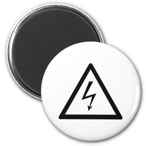 Señal de peligro de la electricidad imán redondo 5 cm