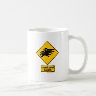 Señal de peligro del campista de la freza taza