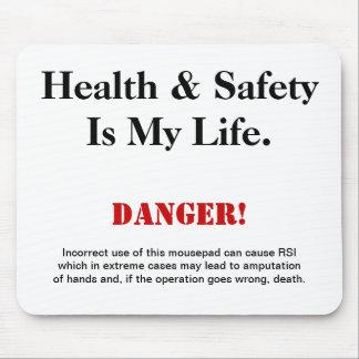 Señal de peligro del chiste de salud y de la segur alfombrillas de raton