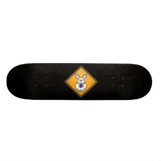 Señal de peligro del conejito de pascua del dibujo patineta personalizada