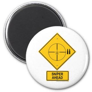 Señal de peligro del francotirador a continuación  imán redondo 5 cm