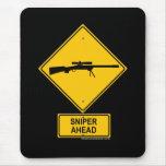 Señal de peligro del francotirador a continuación alfombrilla de ratón
