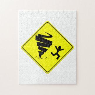 Señal de peligro del tornado puzzle