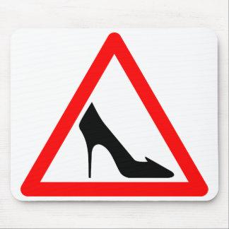 Señal de peligro del zapato alfombrilla de raton