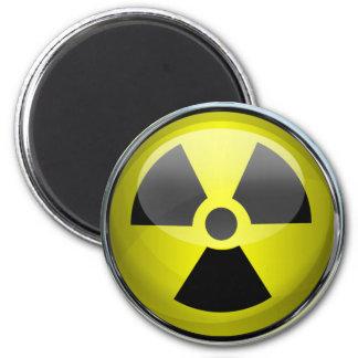 Señal de peligro radiactiva del símbolo de la imán redondo 5 cm