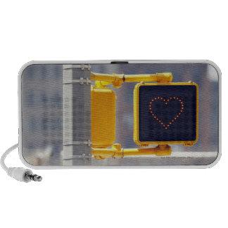 Señal de tráfico con forma del corazón notebook altavoces