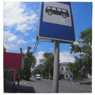 Señal de tráfico con una imagen de una parada de servilleta