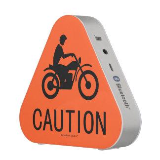 Señal de tráfico de la motocicleta - precaución altavoz