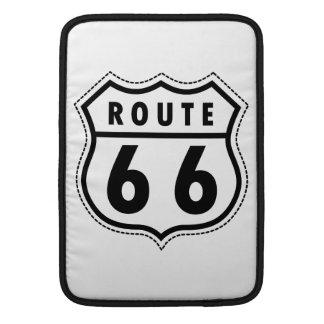 Señal de tráfico de la ruta 66 funda  MacBook