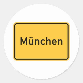 Señal de tráfico de Munich, Alemania Etiqueta Redonda