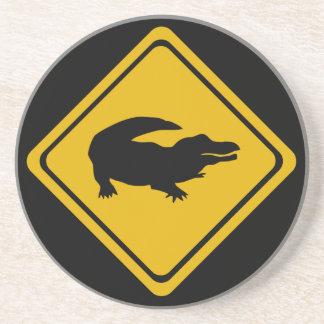 señal de tráfico del cocodrilo posavaso para bebida