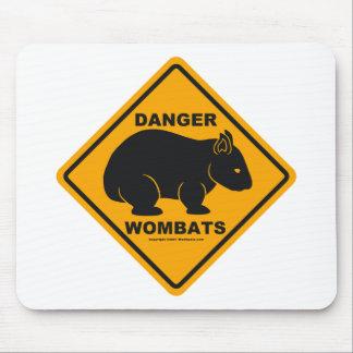 Señal de tráfico del peligro de Wombat Alfombrillas De Ratón
