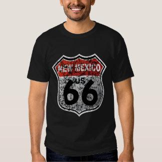 Señal de tráfico histórica de la carretera camisas
