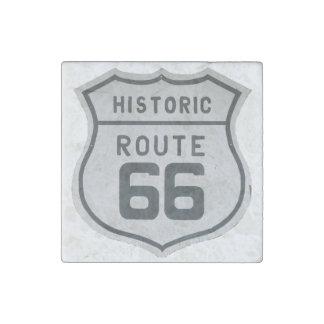 Señal de tráfico histórica de la ruta 66 de los imán de piedra