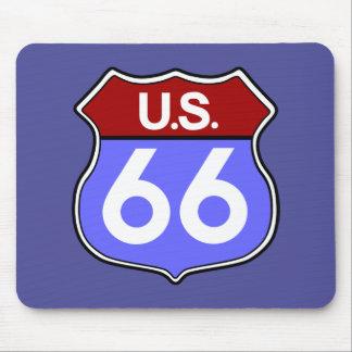 Señal de tráfico legendaria de la ruta 66 alfombrillas de ratón
