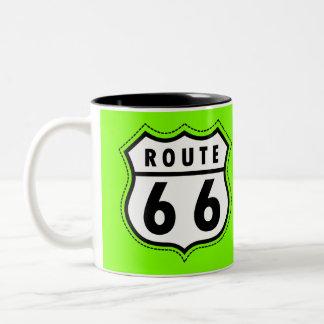 Señal de tráfico verde chartreuse, de neón de la r taza de café