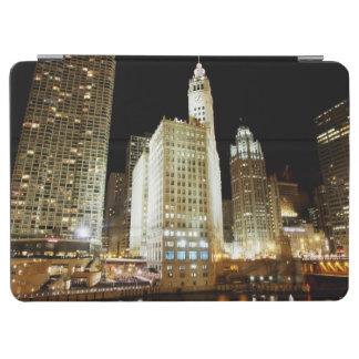 Señal famosa de Chicago en la noche Cubierta De iPad Air