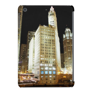 Señal famosa de Chicago en la noche Fundas De iPad Mini Retina