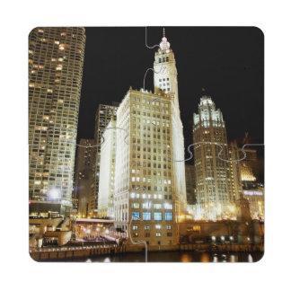 Señal famosa de Chicago en la noche Posavasos De Puzzle