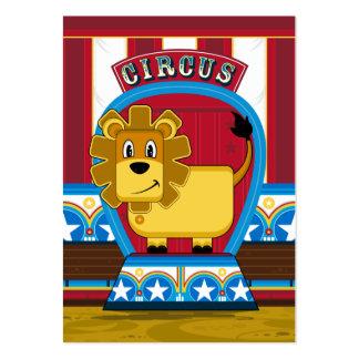 Señal linda del león del circo tarjetas de visita grandes